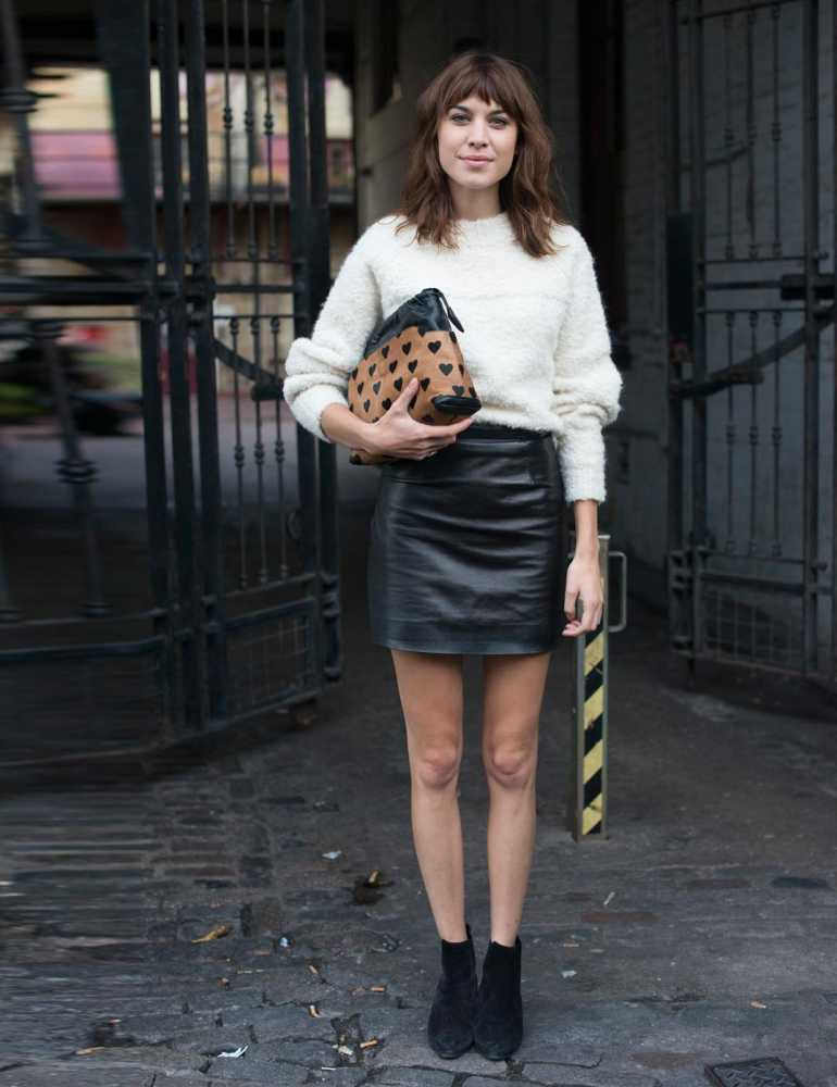 1382609836-alexa-chung-london-fashion-w